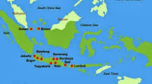 Indonesia Is Comprised Of 17000 Islands In Total With About A Dozen Making Up The Bulk Landmass Principal Are Sumatra Borneo Java