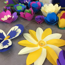 Round Up The Hens Work Together To Create Alternative Paper Flowers For Your Statement Wedding Decorations Tailored Unique Colour Scheme