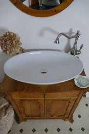 antiker badschrank