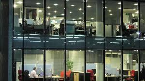 lumiere bureau vie de bureau optimiser la lumière pour remettre horloge