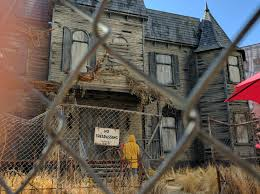 Halloween Mazes In Los Angeles 2017 by The It Experience Neibolt House Hollywood U2013 Creepy La The Los