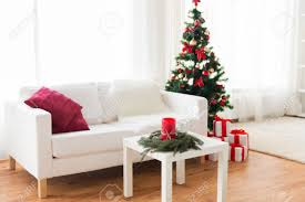 intérieur et canapé vacances célébration décoration et concept d intérieur canapé