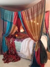 Diy Stoner Room Decor by Best 25 Hippie Bedrooms Ideas On Pinterest Hippie Apartment