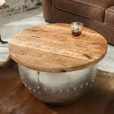 runde stehtische aus massivholz fürs wohnzimmer tische