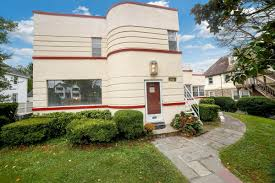 100 Bauhaus House For 525K A Style Home With A 50s Diner In Havertown