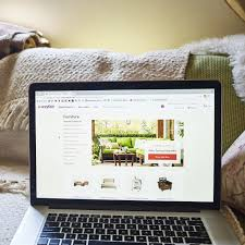 Wayfair Is Latest Online Seller To Go Bricks And Mortar - WSJ