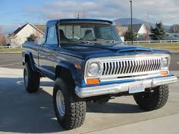 1976 Jeep J10. Spring Over Lift With 37
