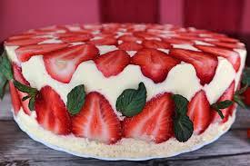 fraisier cake rezept für beliebte französische erdbeertorte mit biskuitboden