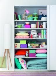 4 gründe warum ins wohnzimmer ein kleiderschrank gehört