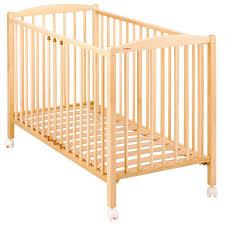 chambre bébé bois naturel lit bébé bois massif vernis naturel de combelle