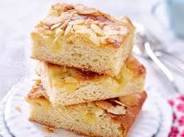 omis klassiker butterkuchen mit zucker mandel kruste rezept
