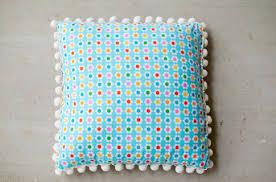 DIY pom pom pillow  Ann Kelle