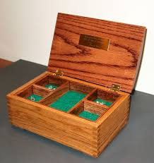 Introduction Oak Jewelry Box Featuring Joint Construction