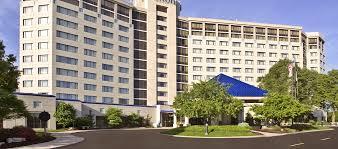 Hilton Oak Brook Hills Resort near Chicago with Golf