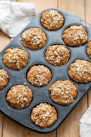 frühstücks muffins mit apfel und karotten
