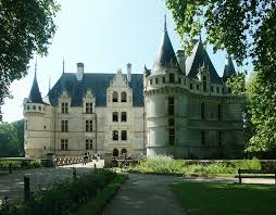 chateau d azay le rideau was completed in 1527 on the