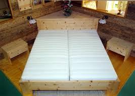 ein schlafzimmer aus zirbenholz möbelhaus und tischlerei sams