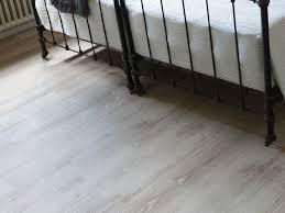 Self Adhesive Vinyl Floor Tiles Bedroom