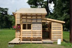 Build Just About Anything For Free With Pallets