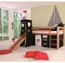 chambre d enfant pas cher lit cabane pour aménager une chambre de pirate meubler une
