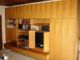 schöne wohnzimmer schrankwand teakholz mit komfortablem gästebett