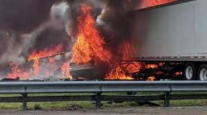 100 Semi Truck Accident On I 75 5 Children On Trip To Disney 2 Truck Drivers Killed In Fiery Crash