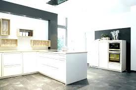 cuisine blanche et ilot central blanc erlot cuisine blanche et bois avec ilot central