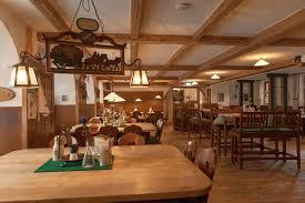 gasthof restaurant goldener bär fussgängerzone berchtesgaden