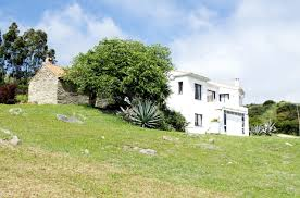 100 Rustic Villas Style Country House In Picturesque Mountain Setting For Sale