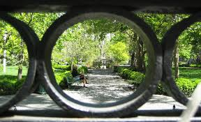 100 Keys To Gramercy Park On Christmas Eve The Public Can Go Inside For