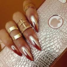 5 Gold Nail Art Designs That Are in This Fall