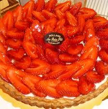 tarte aux fraises pate feuilletee tarte aux fraises de plougastel au plié boulanger