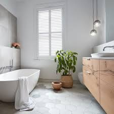 Shutterstock555797377 Step In Shower Bathroom Bathroom Remodeling Books