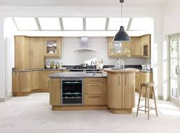 trend light solid oak shaker trend painted ivory shaker kitchen
