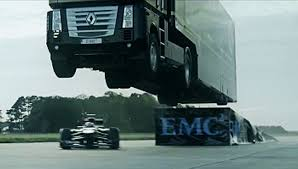 100 Truck Jump Epic WorldRecord By EMC And Lotus F1 Team Vido
