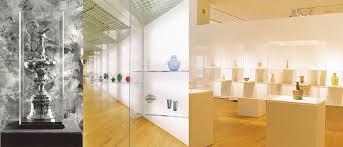 Custom Plexiglass Acrylic Display Cases Boxes And Gallery Vitrines