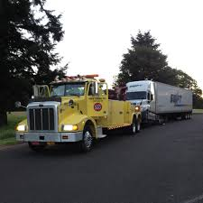 100 Knight Trucking Company Transportation Truck Yard Fairview Oregon Cargo