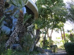 100 The Elrod House House_Diamonds Are Forever 1971 Angulo Arquitectura