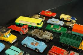 LOT OF MISC MATCHBOX HUSKY TOOTSIE TOYS DIECAST 3 RACE CAR TRUCKS ... Buy Matchbox M35271 158 Shell Kenworth W900 Semitanker Exbox 155 Ultra Series Freightliner Hersheys Semi Truck Review Turns 65 Celebrates Its Sapphire Anniversary Wit Semi Trucks For Sale Matchbox Big Movers Red Coca Cola Truck 999 Pclick Episode 47 Lot Of And Rigs Youtube Vintage King Size Nok16 Dodge Tractor Trailer Diecast Corona Beer 1100th New 1861167250 Flat Nose Ups United Parcel Service Toy Model Tow Wreckers Peterbilt Tanker Getty 1984 Macau