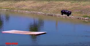 100 Slash Rc Truck Traxxas 4x4 RC Car Is Fast Enough To Drive On Water Autosca