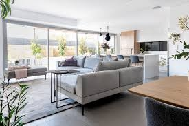 modern scandi inspired home skandinavisch wohnbereich