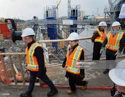100 Wynne Construction Walks Past The Dig Site Premier Kathleen With