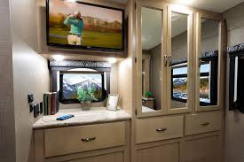 Class C Motorhome With Bunk Beds by A C E Class A Motorhomes Thor Motor Coach