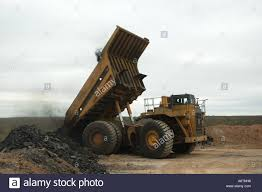 Huge Dump Truck Unloading Rock Stock Photo: 6655959 - Alamy Isuzu Dump Truck 6ton Tarp And Truck Cover Manufacturers Stand At The Ready With Products Hoist System Suppliers Early 1960s Tonka Sand Loader Profit With John Buy Best Beiben 40 Ton 6x4 New Pricebeiben 8x4 China Howo 84 380hp Zz3317n4267a Tipper Allied Paving News Contractors Merlot Smart Cable Tarpguy Daf Cf 440 Fad Dump Trucks For Sale Tipper Dumtipper In Sinotruk 6 Wheel Load Volume Capacity Mini Tpub144 Underbody Springs Patriot Polished Alinum Electric Arm