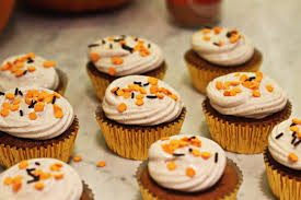 Starbuck Pumpkin Spice Latte Uk by Zoella Pumpkin Spiced Cupcakes With Cinnamon Cream Cheese Frosting