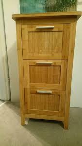 schrank schubladen badezimmer bambus waschbeckenunterschrank