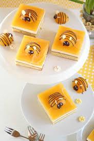 sugarprincess bienenkuchen frühlingshafter kuchen mit
