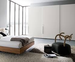 chambre a coucher blanc design armoire blanche dans la chambre à coucher 25 designs