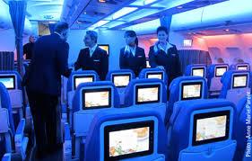 tout le monde à bord du nouveau a330 d air transat tourisme plus