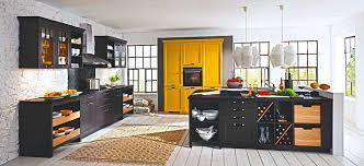 landhaus küche schwarz seidenmatt